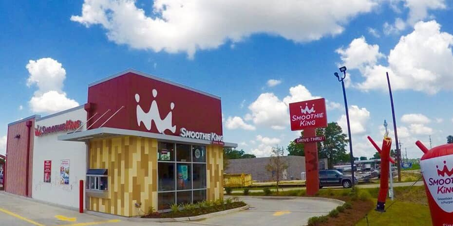 Smoothie King exterior of store during the day