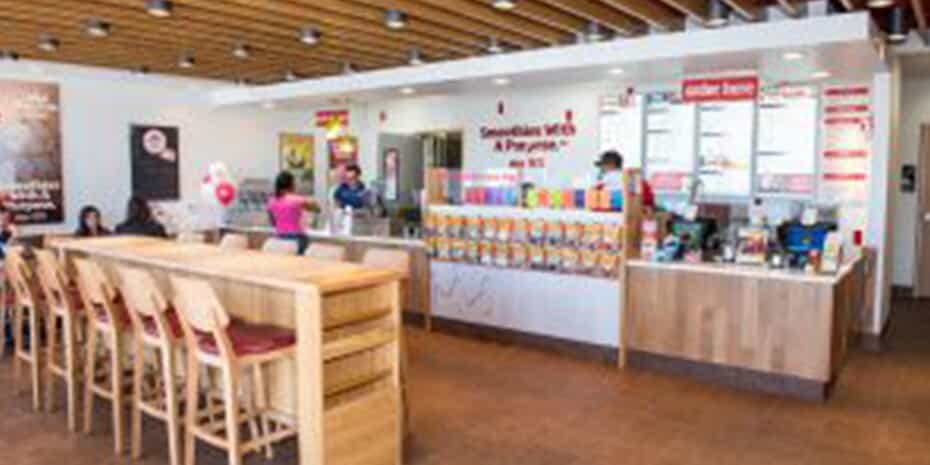 Smoothie King location interior