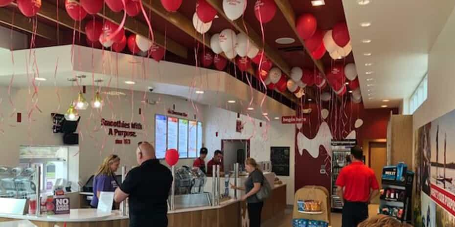 Smoothie King interior with balloons